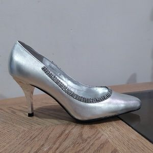 Shoes - Silver Rhinestones Pointy High Heels Pumps